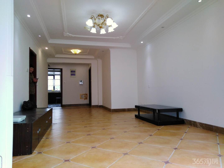 军区总院东苑3室2厅2卫135平米豪华装整租