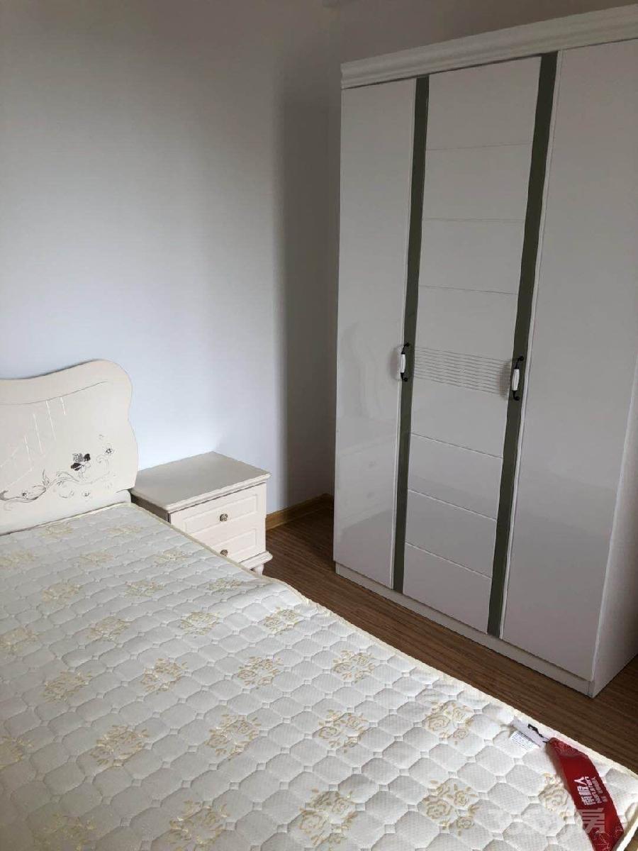 三潭音悦2室2厅1卫83平米整租精装
