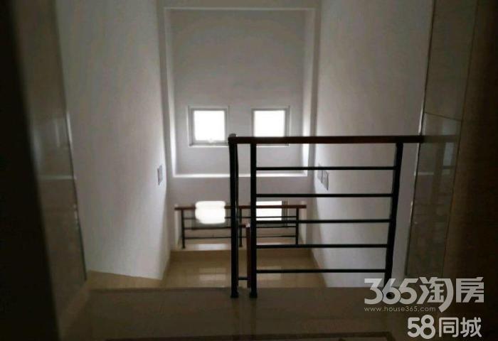 中建华府,电梯洋房5楼,顶楼,赠储藏间,赠露台