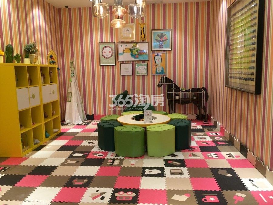 新城香悦公馆售楼处——儿童娱乐区实景图 2017年12月摄