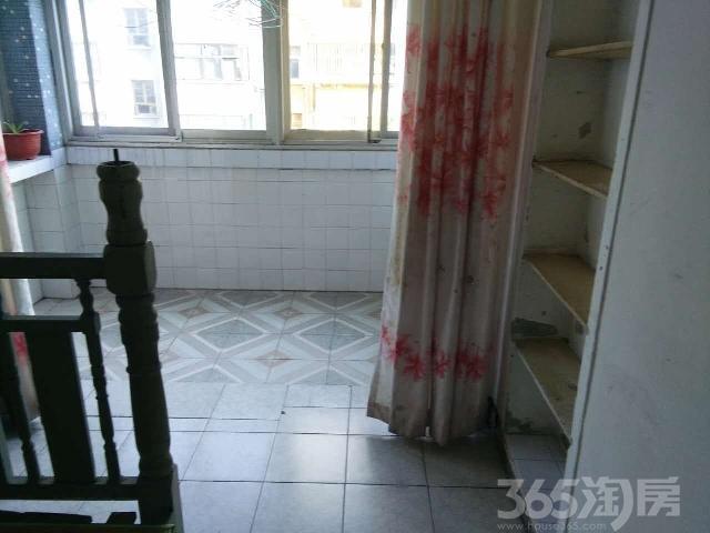 1100元租四季园4楼简装清爽两室一厅设施全拎包入住