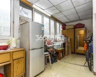 长虹路45号三九五九巷2室1厅1卫72.94平方产权房简装