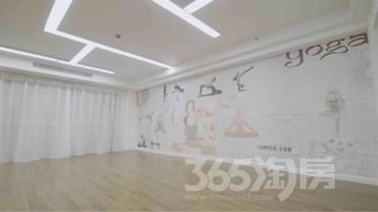 弘阳时代中心101平米豪华装可注册2017年建