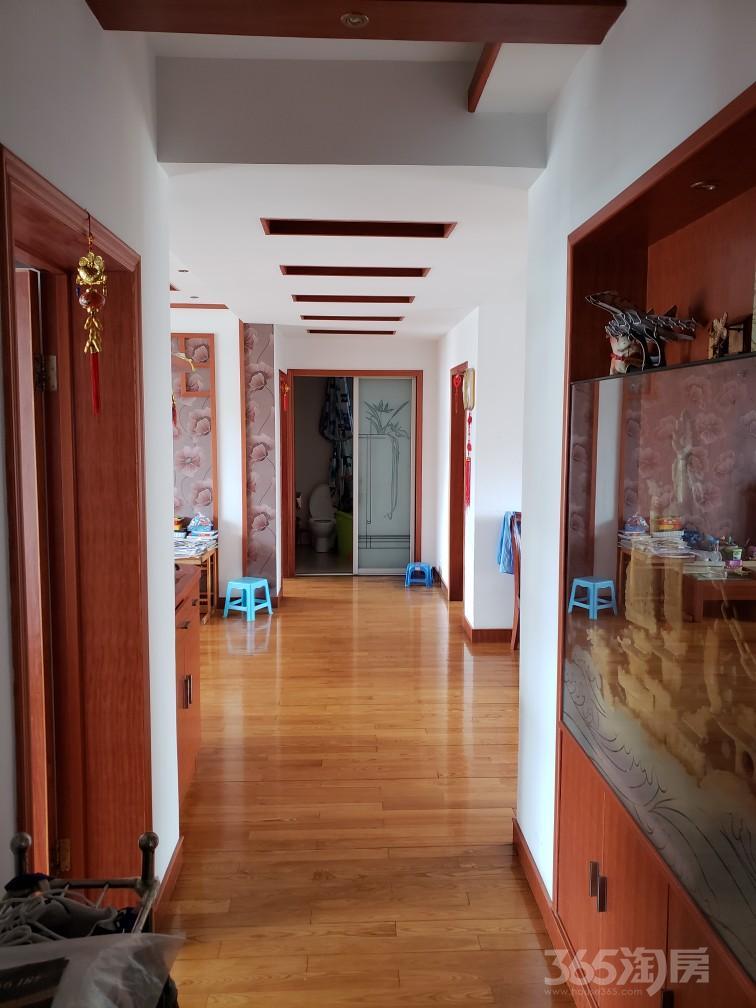 都宝花园3室2厅1卫118平米2010年产权房精装