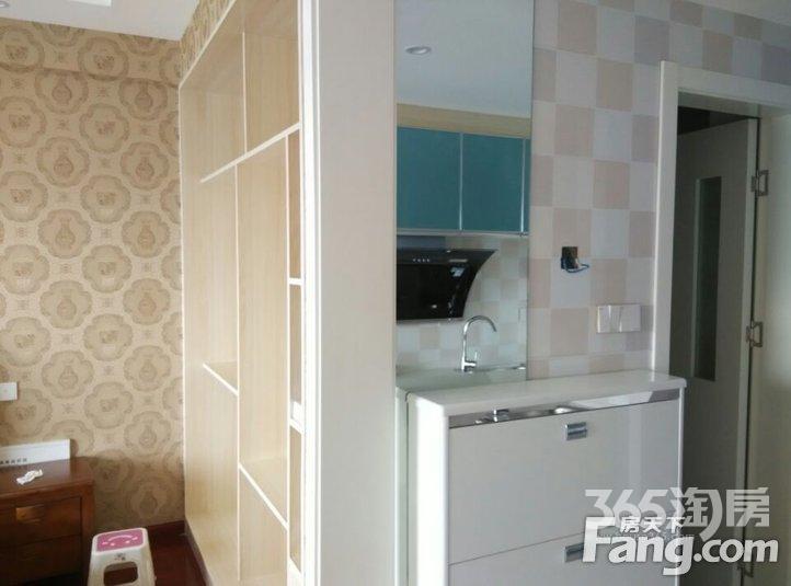宝龙城市广场1室1厅1卫42㎡整租豪华装